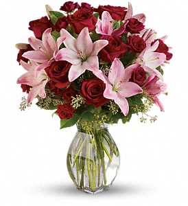 Lavish Love Bouquet with Long Stemmed Red Roses in White Stone VA, Country Cottage