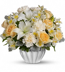 Teleflora's Kiss Me Softly in Brooklyn NY, Artistry In Flowers