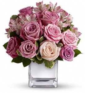 Teleflora's Rose Rendezvous Bouquet in Wagoner OK, Wagoner Flowers & Gifts