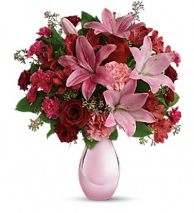 Teleflora's Roses and Pearls Bouquet in Farmington NM, Broadway Gifts & Flowers, LLC