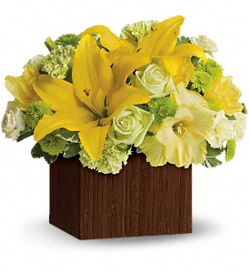 Teleflora's Smiles for Miles in Pensacola FL, R & S Crafts & Florist