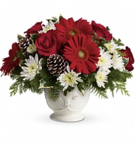 Teleflora's Simply Merry Centerpiece in Fort Worth TX, TCU Florist