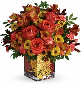 Teleflora's Roses And Maples Bouquet in Wolfeboro Falls NH, Linda's Flowers & Plants