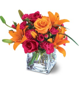 Teleflora's Uniquely Chic Bouquet in Edmonton AB, Petals For Less Ltd.