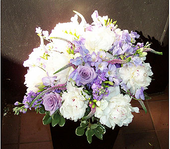 Lavender Delight in New York NY, Fellan Florists Floral Galleria