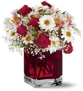 Teleflora's Scarlett Bouquet in Bloomington IL, Beck's Family Florist