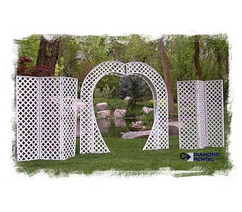 Heart Lattice Arch & 2 Lattice Panels in Grand Island NE, Roses For You!