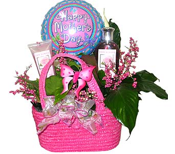 MD38 ''Pampered Mom'' Gift Basket in Oklahoma City OK, Array of Flowers & Gifts