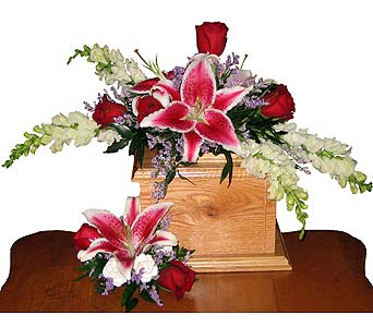 Two-Piece Stargazer Spray in Wyoming MI, Wyoming Stuyvesant Floral