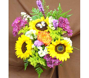 Sunflower Butterfly Bouquet in Massapequa Park NY, Bayview Florist & Montage  1-800-800-7304