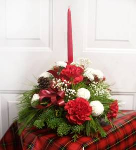 Christmas Center Piece in Cornwall ON, Fleuriste Roy Florist, Ltd.