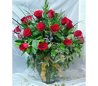 Red Valentine Rose Bouquets & Arrangements in Massapequa Park NY, Bayview Florist & Montage  1-800-800-7304