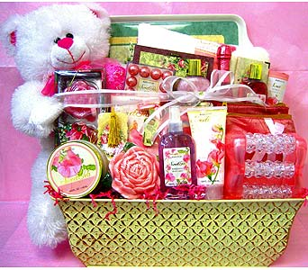 GB220 ''Bear Essence'' Bath & Body Gift Basket in Oklahoma City OK, Array of Flowers & Gifts