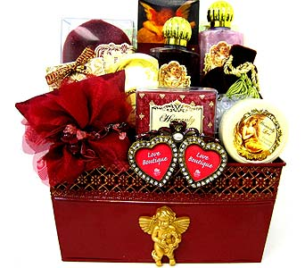 ''Heavenly Love'' Bath & Body Gift Set in Oklahoma City OK, Array of Flowers & Gifts