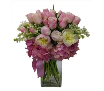 Pretty in Pink Flower Bouquet in Santa Monica CA, Edelweiss Flower Boutique