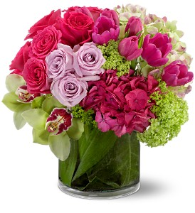 Floral Fantasia in Buffalo Grove IL, Blooming Grove Flowers & Gifts