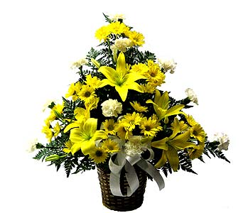 Yellow and White Sympathy Basket in Wyoming MI, Wyoming Stuyvesant Floral