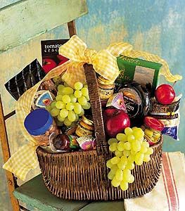 Gourmet Picnic Basket in Toronto ON, The Flower Nook