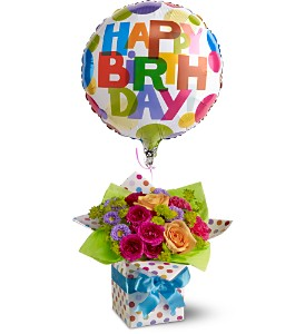 Teleflora's Happy Birthday Present in Sioux Lookout ON, Cheers! Gifts, Baskets, Balloons & Flowers