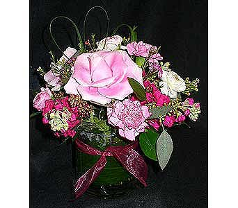 Pink Tussie in Massapequa Park NY, Bayview Florist & Montage  1-800-800-7304
