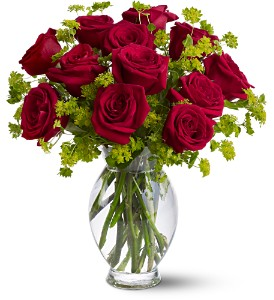 Teleflora's Dozen Sweet Roses in Wausau WI, Blossoms And Bows