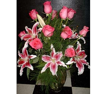 12 Pink Roses w/ Pink Lilies in Dallas TX, Z's Florist