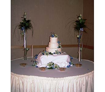 Wedding Cake in Sioux Falls SD, Country Garden Flower-N-Gift