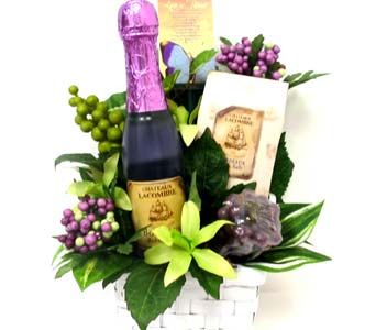 GB250 ''Cheers'' Bath & Body Gift Bouquet in Oklahoma City OK, Array of Flowers & Gifts