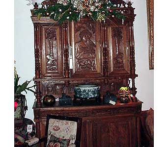 Walnut Hunt Cabinet in San Antonio TX, Allen's Flowers & Gifts