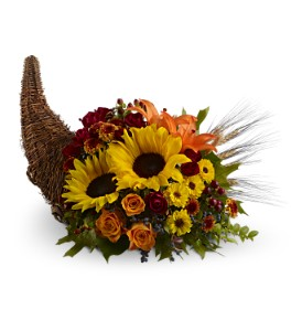 Heavenly Cornucopia in Manalapan NJ, Rosie Posies
