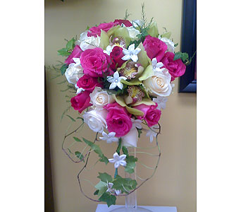 Custom Wedding Designs in Bensenville IL, The Village Flower Shop