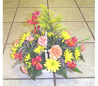Everyday Centerpiece in Lewistown PA, Deihls' Flowers, Inc
