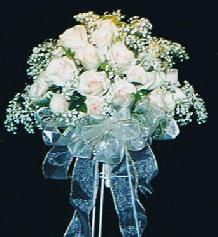 Rose and Baby''s Breath Bouquet in Ottawa ON, The Fresh Flower Company
