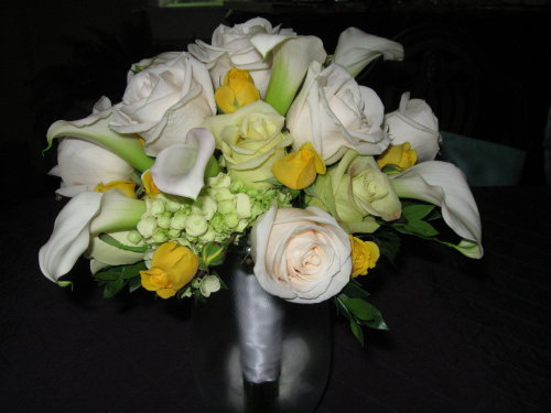 Pastel Calla and Rose Clutch in Waukegan IL, Larsen Florist