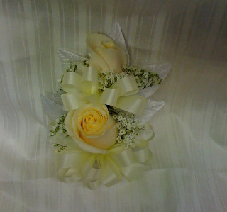 ROSE COURSAGE in Bellmore NY, Petite Florist