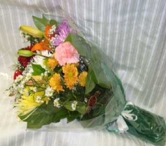 LOOSE BOUQUET in Bellmore NY, Petite Florist