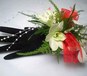 Duchess Wrist Corsage in Detroit and St. Clair Shores MI, Conner Park Florist