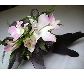 Hula Wrist Corsage in Detroit and St. Clair Shores MI, Conner Park Florist