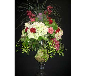 Glass Urn in Massapequa Park NY, Bayview Florist & Montage  1-800-800-7304