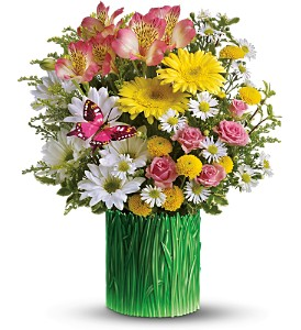 Teleflora's Grass is Greener Bouquet in Bellevue PA, Dietz Floral & Gifts