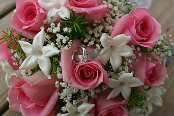 Sweetheart Bouquet in Guelph ON, Patti's Flower Boutique