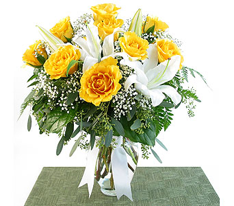 Yellow Roses and White Lilies in Southfield MI, Thrifty Florist