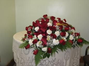 roses and white cover in Weymouth MA, Hartstone Flower, Inc.