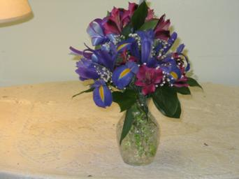 purple vase in Weymouth MA, Hartstone Flower, Inc.