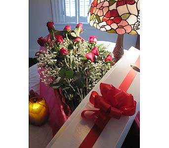 dozen boxed roses in west haven ct fitzgeralds florist