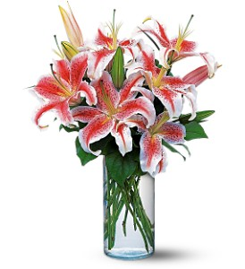 Lovely Lilies in Lemoore CA, Ramblin' Rose Florist