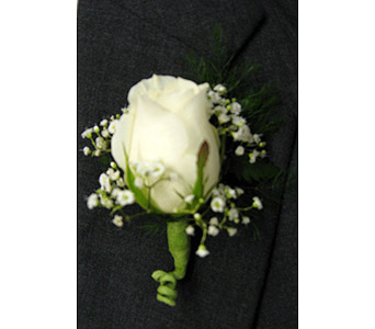 SINGLE ROSE BOUTONNERRE in New Paltz NY, The Colonial Flower Shop