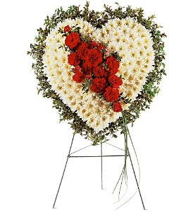 Tribute Heart in Abington MA, The Hutcheon's Flower Co, Inc.