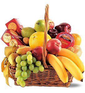 Classic Fruit Basket in Manotick ON, Manotick Florists