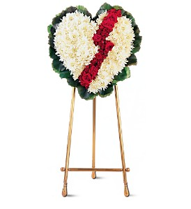 Broken Heart in Fairfield CT, Town and Country Florist